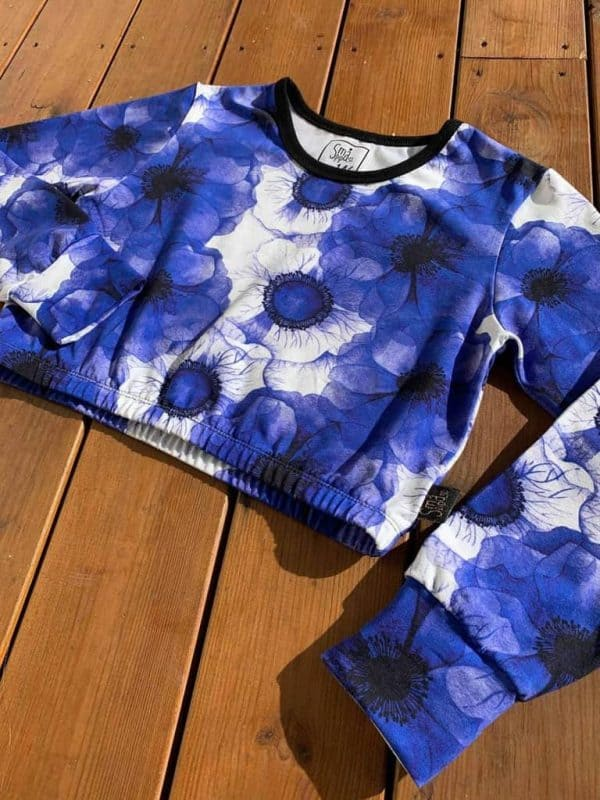 Tyglycka - Anemonen blauw (Tricot) Coupon 90cm anomen blue3 scaled