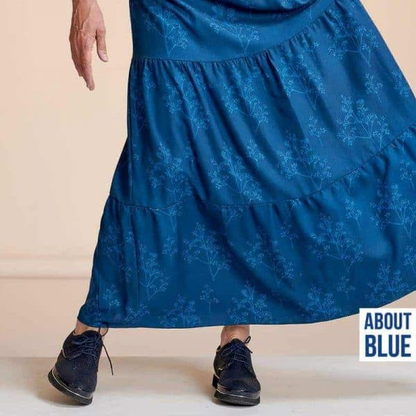 About Blue FLOWERS AND APPLAUSE (Crepe Viscose )